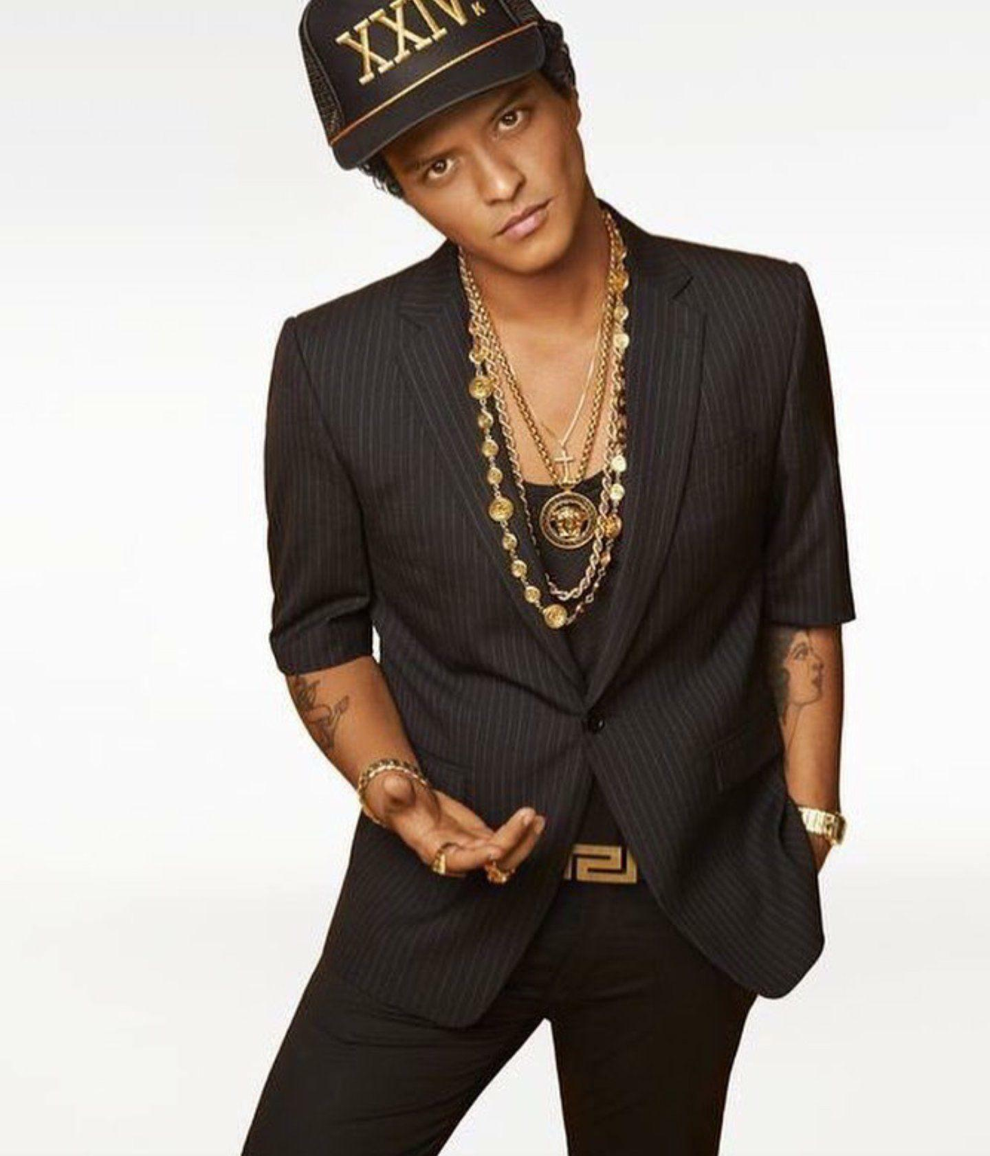 Bruno Mars in his 24K Magic album cover