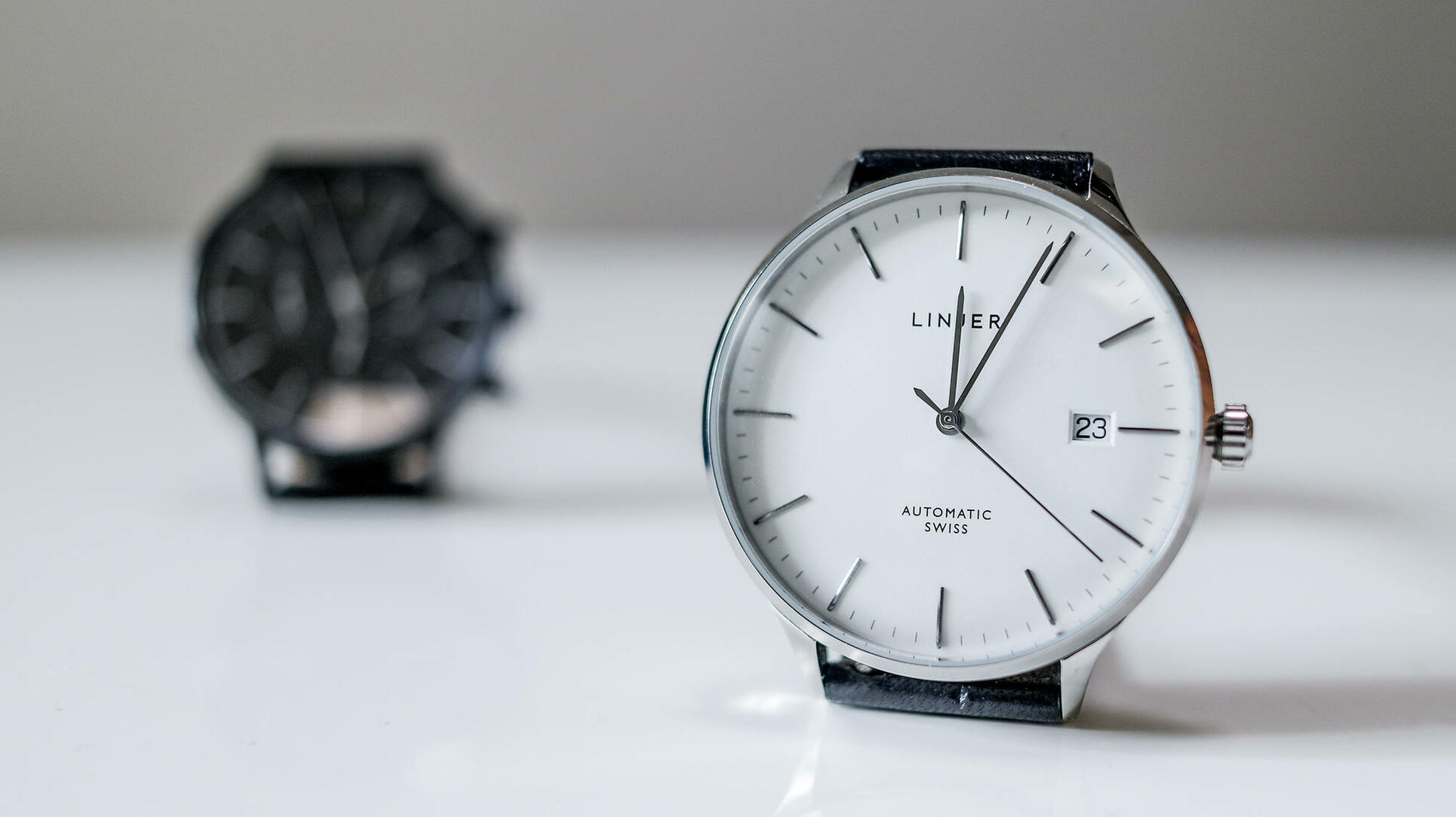 Linjer automatic watch white