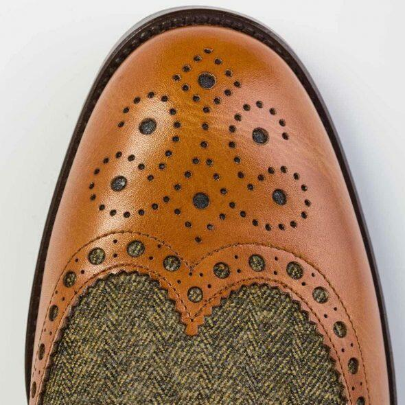 Brogued shoe